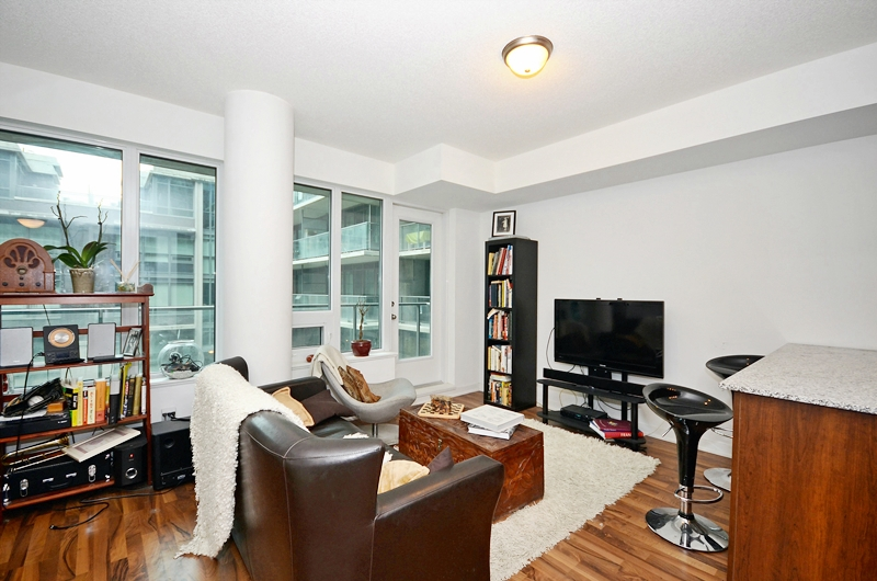 318 55 East Liberty St 1 Bedroom Condo At Bliss Regent Park Life