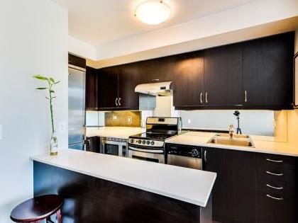 211 – 320 Richmond St E – Furnished Rental