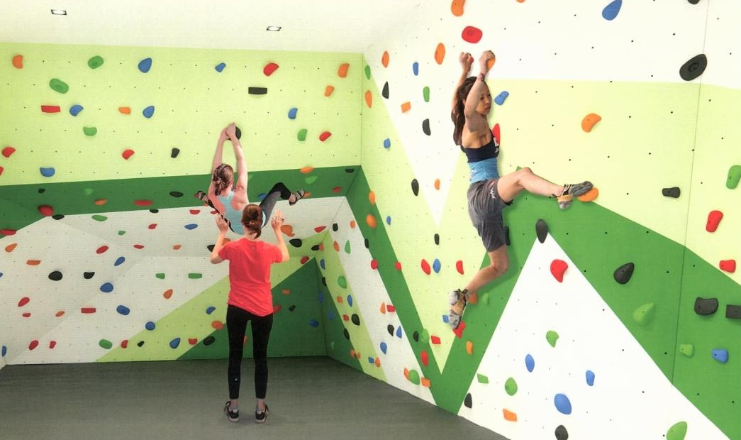 daniels-wyatt-amenities-rock-climbing-wall-regent-park-life-team