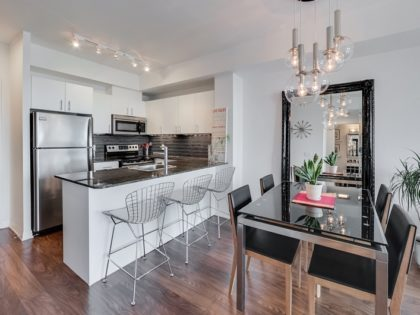 1706 – 25 Cole St – 1 Bed + Den At One Cole