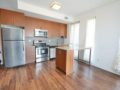 1105 – 260 Sackville St – 1 Bedroom Corner Suite